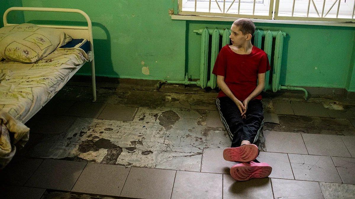 Русская молодуха пришла ночью от подруги и дала мужу в мокрую промежность